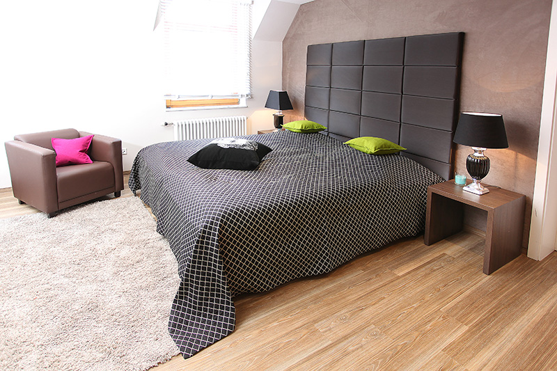 bett und stunning bett und zmorg muota with bett und. Black Bedroom Furniture Sets. Home Design Ideas